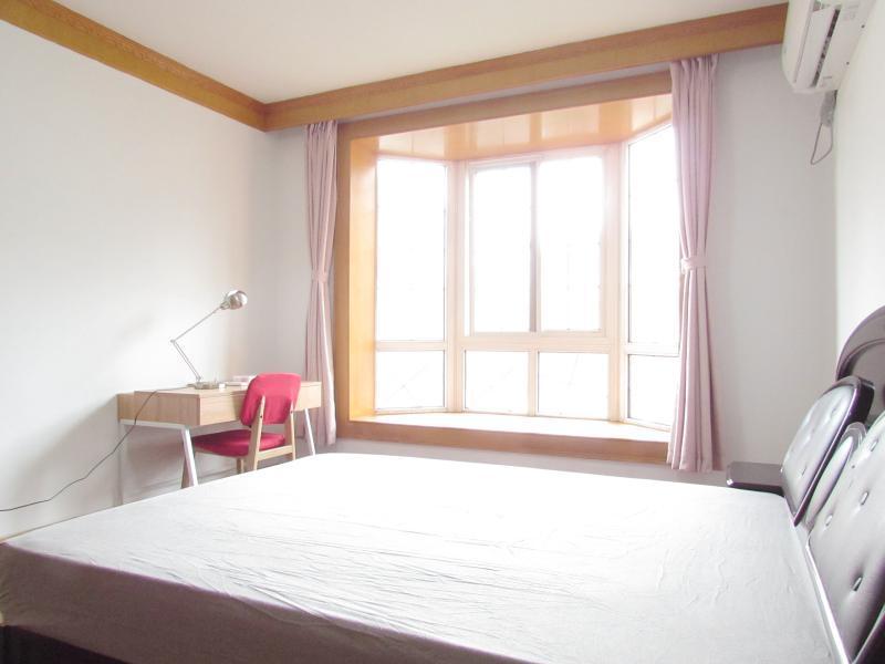 宝山杨行1号线宝安公路天馨花园(公寓)4居室
