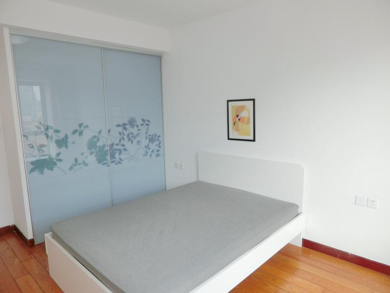 黄浦人民广场1号线新闸路上海滩新昌城3居室