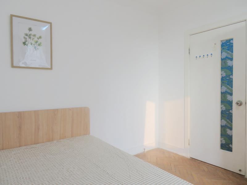 长宁古北10号线水城路钻石公寓3居室