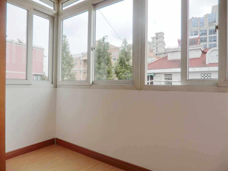 长宁新华路10号线宋园路中东小区1居室