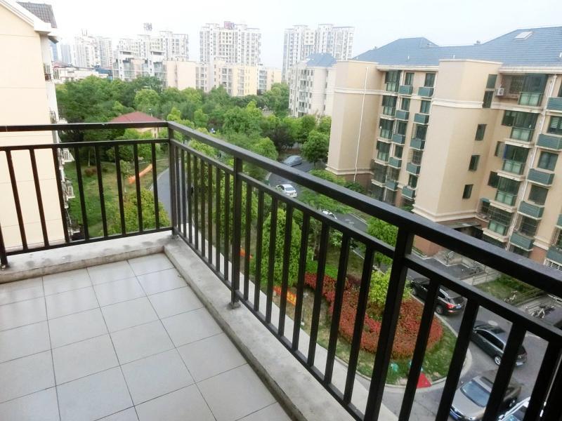 宝山上大7号线上海大学锦秋花园(公寓)1居室