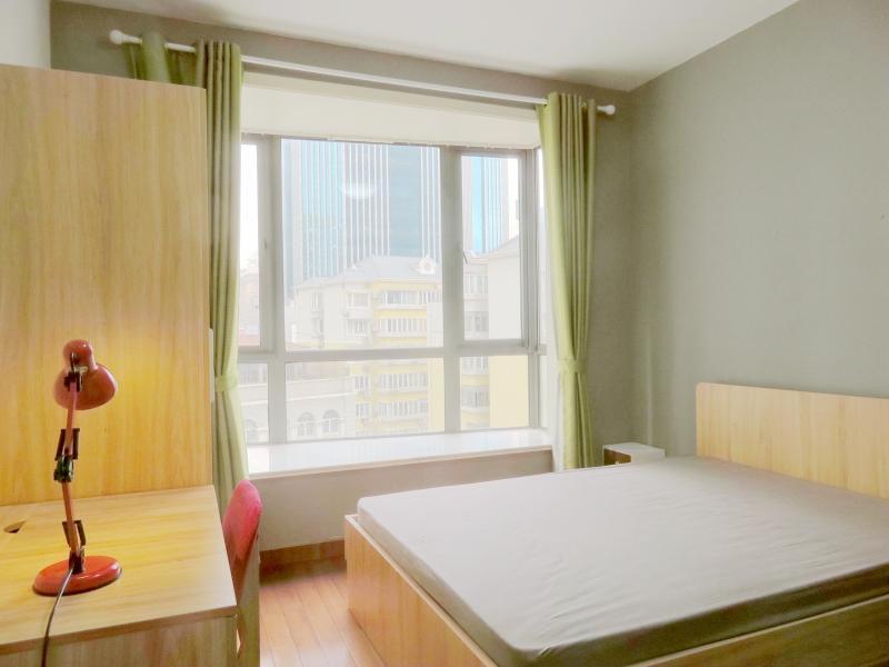 静安南京西路2号线南京西路中凯城市之光(静安)3居室