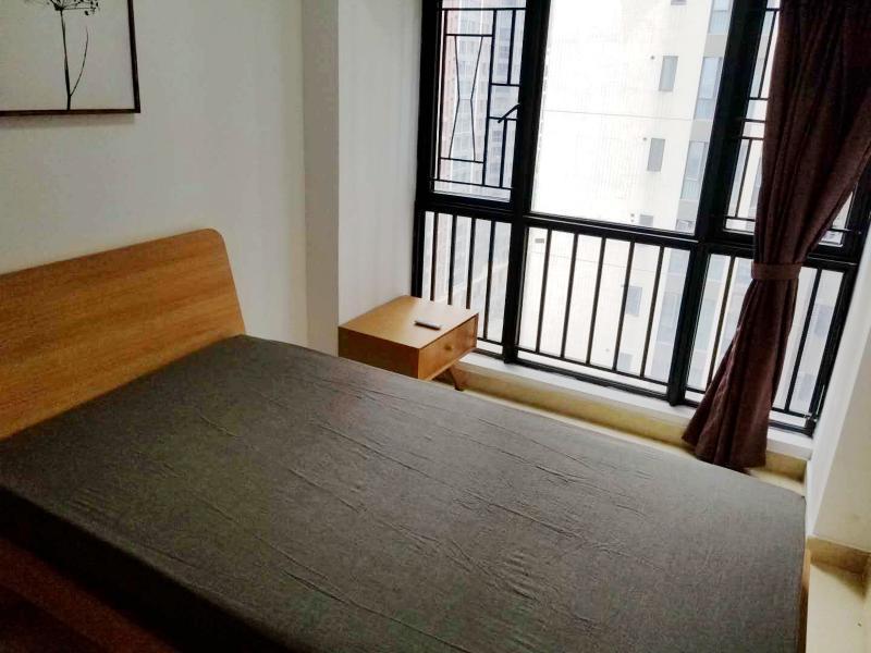 龙华区龙华中心4号线(龙华线)红山莱蒙水榭春天5期2居室
