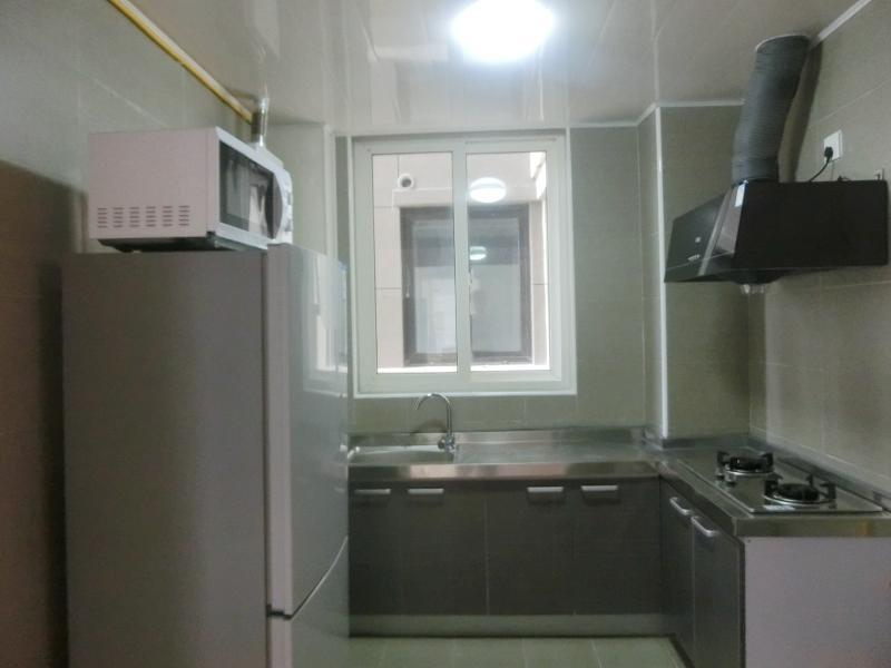 宝山罗店7号线罗南新村美安路215弄3居室