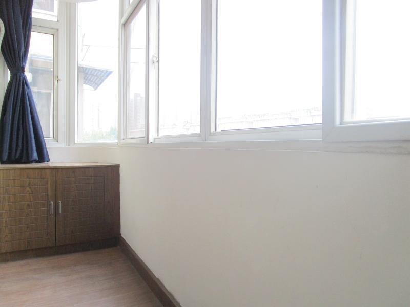 宝山杨行1号线宝安公路宏宝公寓3居室