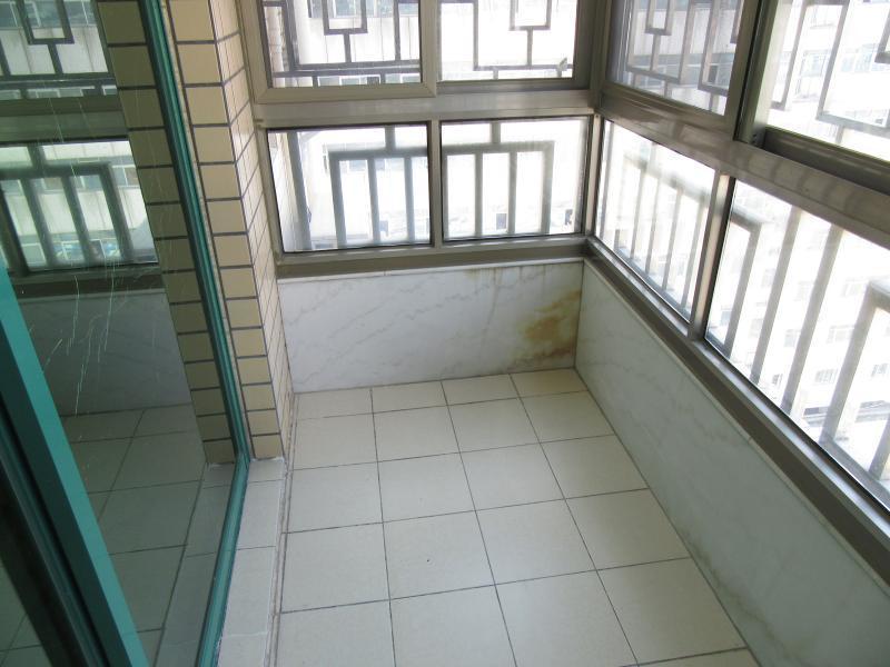罗湖区1号线(罗宝线),3号线(龙岗线)老街南塘物业小区2居室