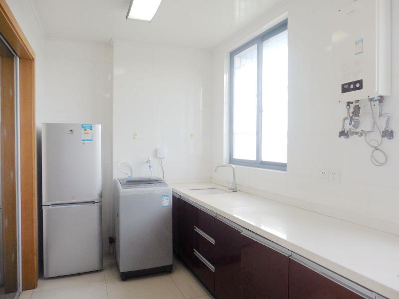 闵行浦江8号线江月路浦江世博家园二街坊4居室