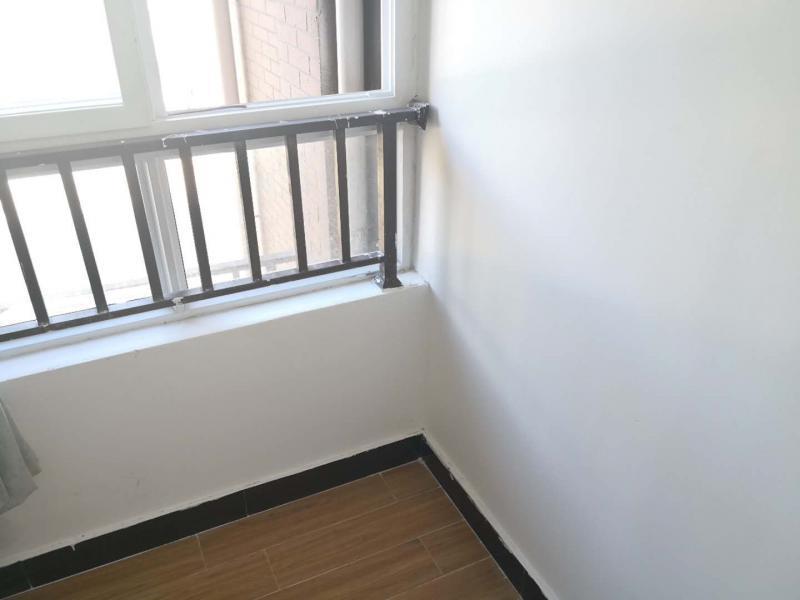 闵行浦江8号线三鲁公路瑞和雅苑2居室