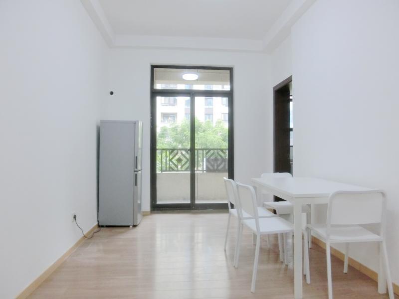 浦东川沙2号线川沙凯佳公寓4居室