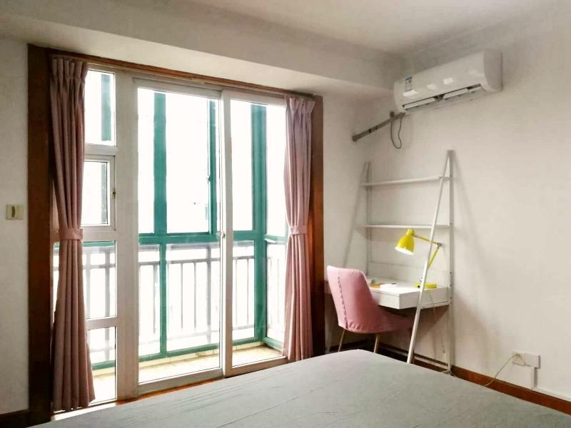 松江松江新城9号线松江新城鼎信公寓4居室