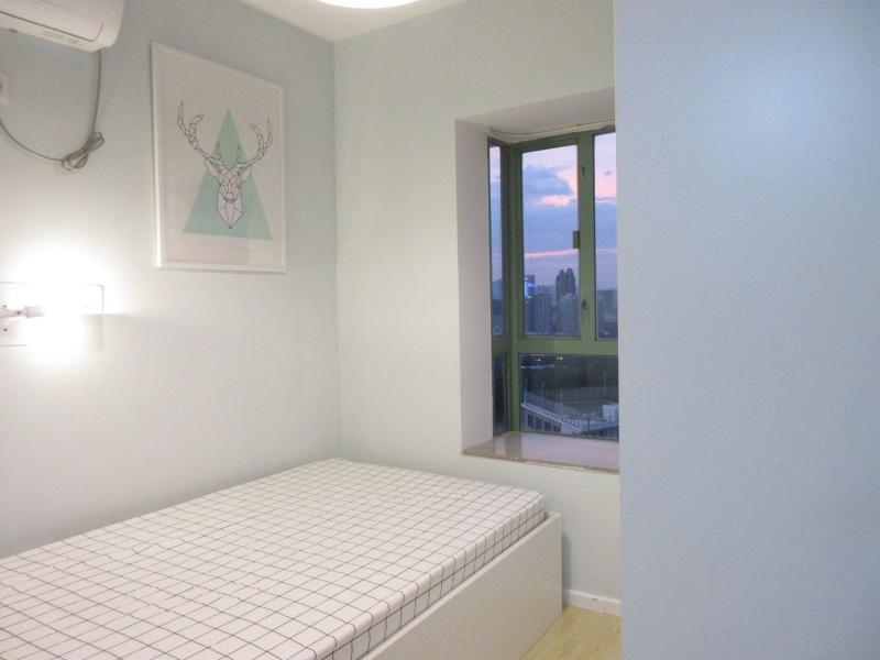 罗湖区2号线(蛇口线)新秀华清园2居室