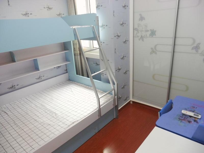 松江松江老城9号线松江体育中心华中公寓2居室